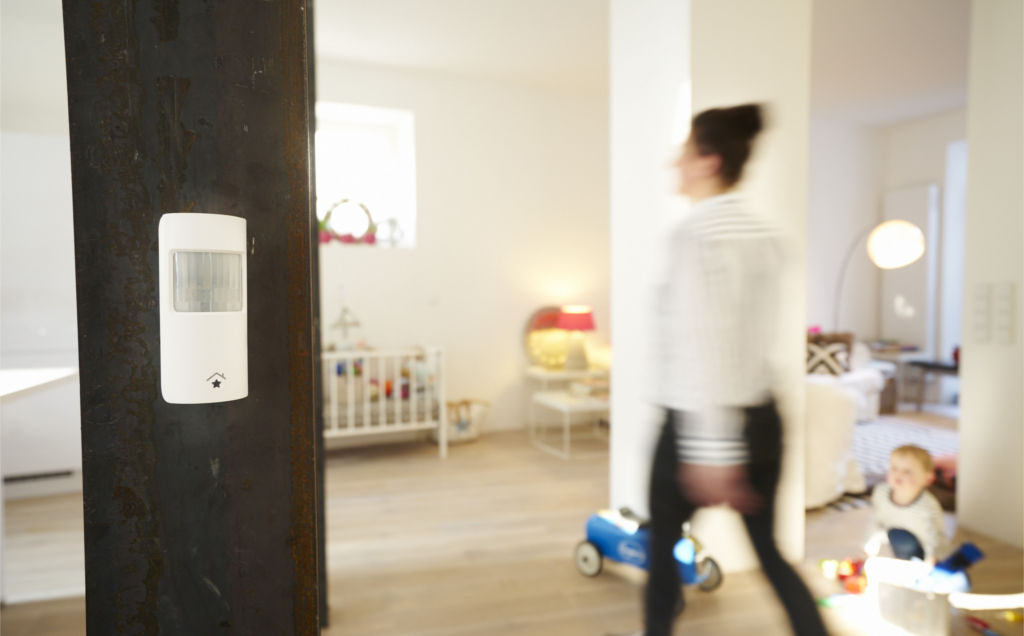 rwe startet aktionsangebot f r mehr sicherheit im smart home. Black Bedroom Furniture Sets. Home Design Ideas