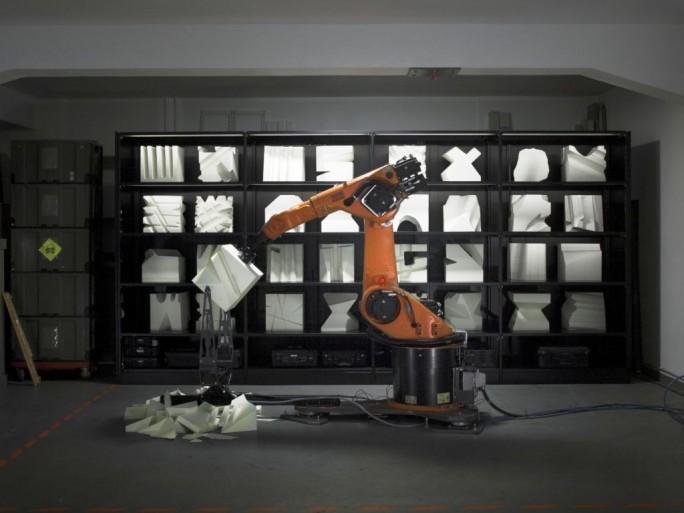 """Die Robochop-Installation von Clemens Weisshaar und Reed Kram soll auf der CeBIT den Begriff """"Industrie 4.0"""" erlebbar machen (Foto Matthias Ziegler)."""