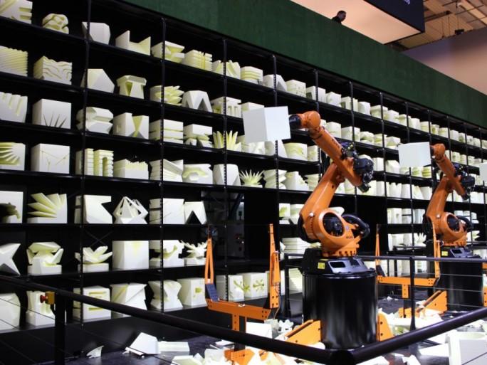 """Die Robochop-Installation von Clemens Weisshaar und Reed Kram soll auf der CeBIT den Begriff """"Industrie 4.0"""" erlebbar machen (Bild: ITespresso)."""