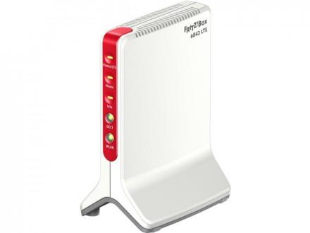 Highspeed-Internet ohne DSL: Die AVM FritzBox 6842 geht per LTE online, unterscheidet sich ansonsten aber kaum von anderen Modellen des Herstellers (Bild: AVM).