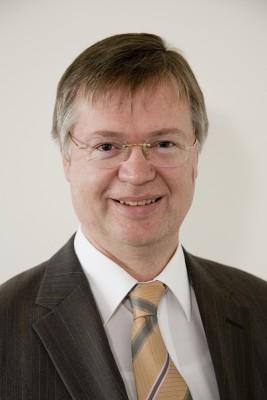 """""""Wir stellen bei den Bürgern immer wieder eine gewisse digitale Sorglosigkeit fest"""", sagt Hartmut Isselhorst, Leiter der Abteilung Cyber-Sicherheit. (Bild: BSI) ."""