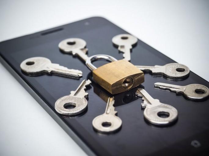 Schlüssel Smartphone (Bild: Shutterstock / wk1003mike)