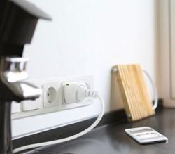 Eve Energy misst den Stromverbrauch und lässt sich von iOS-Geräten aus steuern (Bild: Elgato).