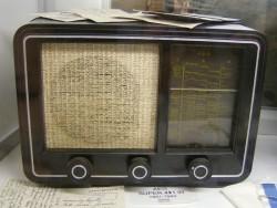 Radio-AEG-Super-421-W (Bild: Peter Marwan/Petäjäveden Radio- ja Puhelinmuseo).