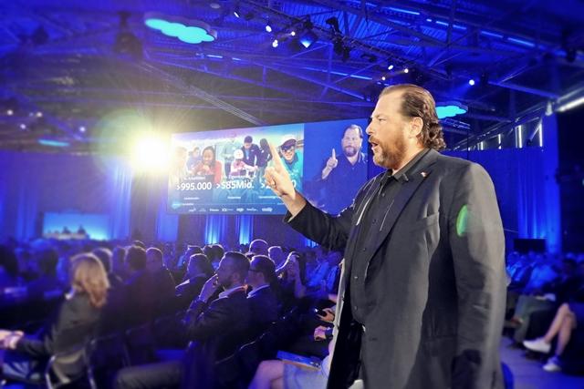 Salesforce-CEO und Chairman Marc Benioff bei seiner Keynote auf der Salesforce World Tour (Foto: Mehmet Toprak).