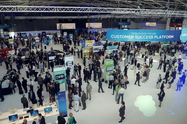 Live Demos und Vorträge gehörten zur Salesforce World Tour in München. Insgesamt waren mehr als 7100 Besucher registriert (Foto: Mehmet Toprak).