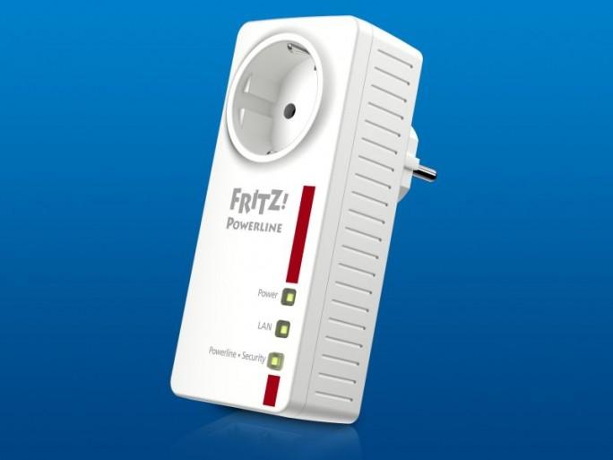 Der Fritz Powerline 1220E wird im Set mit zwei Adaptern im vierten Quartal 2015 zur UVP von 129 Euro auf den Markt kommen (Bild: AVM).