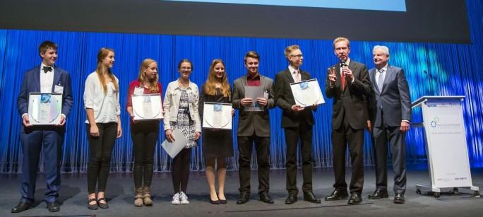 """Verleihung der Preise des Wettbewerbs """"Invent a Chip"""" 2015 (Bild: VDE)"""