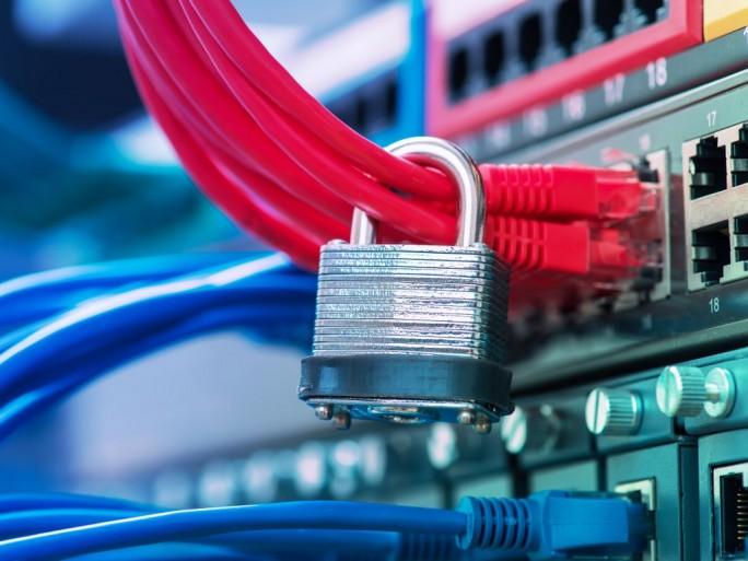 Datenschutz-(Bild: Shutterstock-/asharkyu)