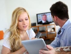 Fernseher-Tablet-shutterstock-Goodluz-800 (Bild: Shutterstock-Goodluz)