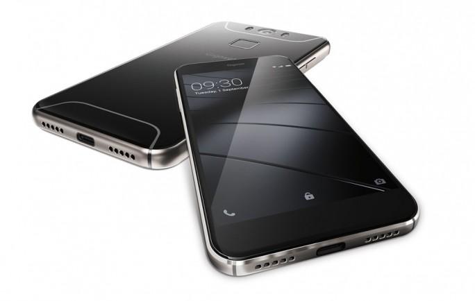 Das Gigaset ME wird von Qualcomms 64-Bit-Chip Snapdragon 810 angetrieben, dessen acht Kerne mit bis zu 1,8 GHz takten. Die Grafikberechnung übernimmt die integrierte Adreno-430-GPU. Der Arbeitsspeicher ist 3 GByte groß (Bild: Gigaset).