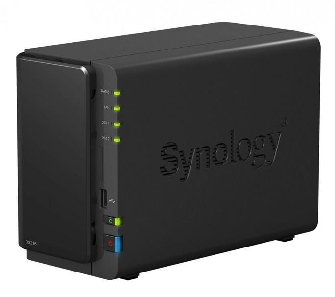 Das NAS Synology DS216 bietet auf der Vorderseite unter anderem eine USB-Kopiertaste, um Daten schnell auf ein externes Speichermedium übertragen zu können (Bild: Synology).