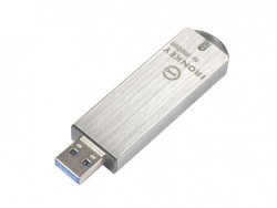 Hardwareverschlüsselte USB-Speicher können helfen, Datenabfluss durch Verlust oder Dienbstahl solcher Speichermedien zu verhindern (Bild: Ironkey by Imation).