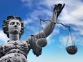 Gerichtsurteil (Bild: Shutterstock/ER_09)