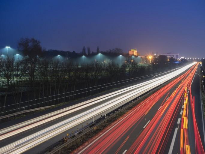 Datenautobahn 2.0 (Bild:Shutterstock/Igor Marx)