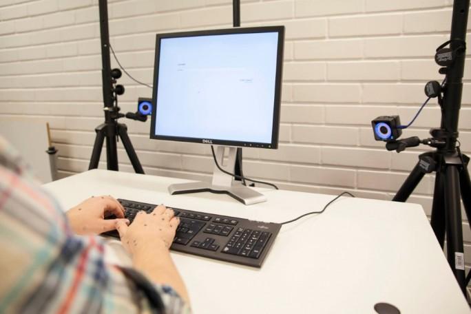 Motion-Capture-Hände (Bild: Aalto-Universität / Mikko Raskinen)