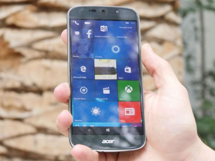 Das Acer Liquid Jade Primo wird dank mitgelieferter Dockingstation und Continuum-Funktion zum PC-Ersatz (Bild: Übergizmo.de).