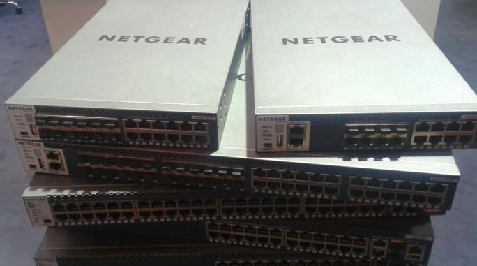 Mit der Reihe ProSafe 4300 bietet Netgear durchgängig 10 Gigabit Datendurchsatz an - auch auf halber Rack -Breite (Bild: ITespresso).