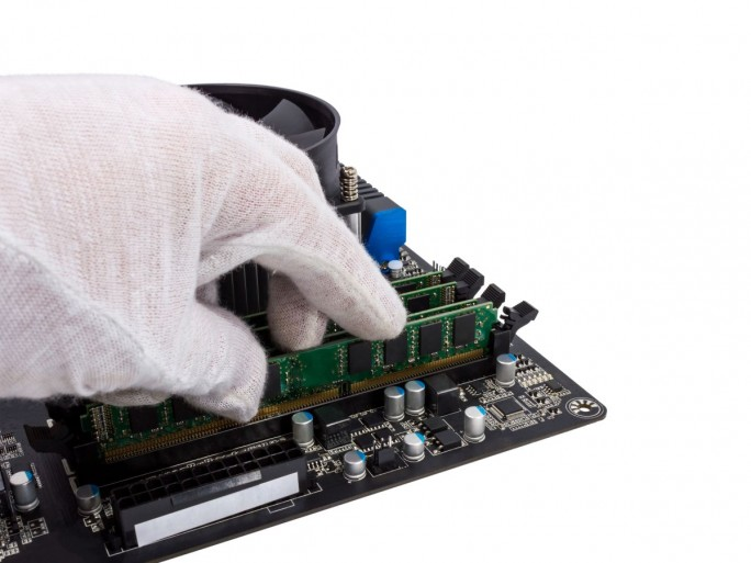 PC-Reparatur (Bild_ Shutterstock /Denis Dryashkin)