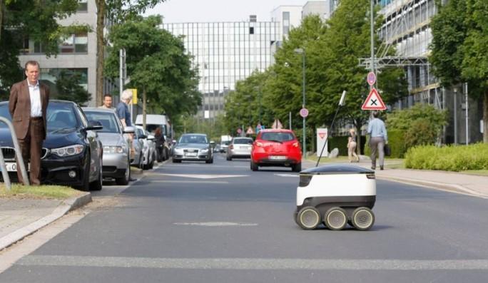 Lieferroboter (Bild: Metro Group)