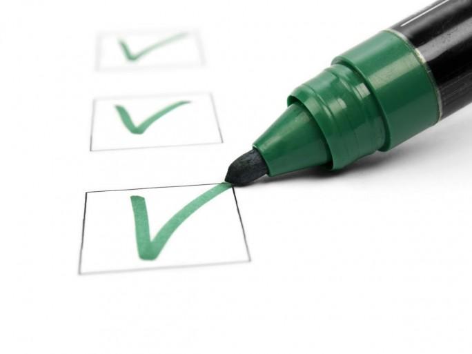 Checkliste-(Bild: Shutterstock/Karuka)