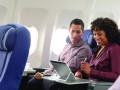 Nutzer-mit-HP-Elite-x2-102-G2-in-Flugzeug-1200