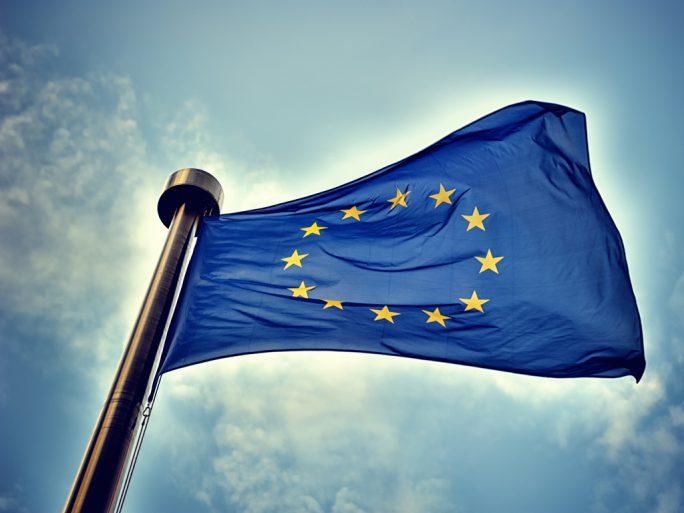 EU-Flagge (Bild: Shutterstock, symbiot)