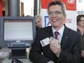 10-cebit2011-thomas-de-maiziere-digitaler-personalausweis